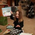 電子マネーとは、年に一冊タダで本がもらえるサービスである。