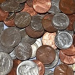 古い缶にいっぱいに詰め込むのはもう止めよう!無駄な小銭の減らし方。