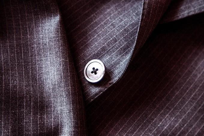 都会人こそ、高いスーツを着てはいけない。