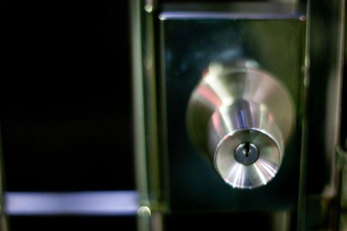 簡単すぎるwww誰にでもできる鍵穴の掃除のやり方。