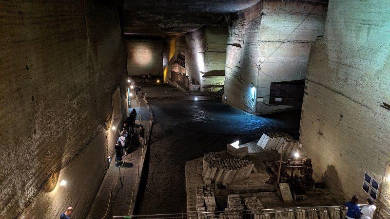 大谷資料館の洞窟内